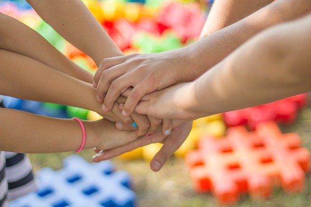 Lasten kädet